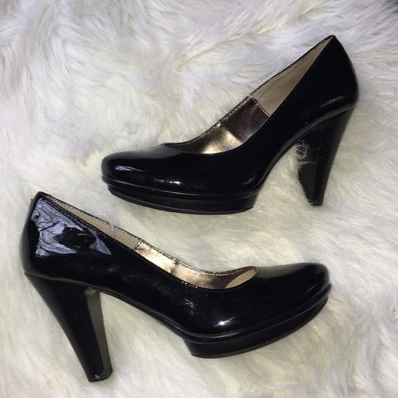 ca2d22af93c Sofft Black Patent Leather Platform Pumps 7 Heels.  M 5a806c39a825a6677958260c